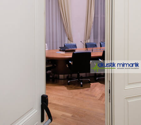 Akustik Beyaz Yalıtımlı Kapı